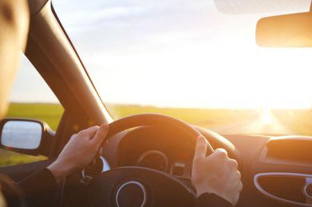 Aktuelles-Neustart in die Auto-Saison_Lenkrad