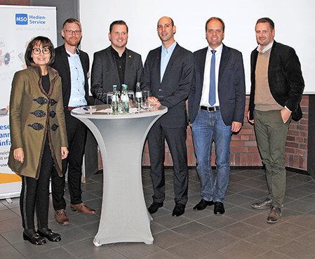 Aktuelles-Regio-Puls-Veranstaltung-Gruppenfoto-mit-Referenten